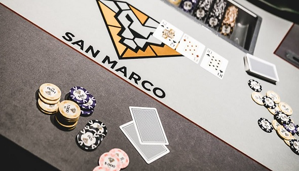 Casino San Marco poker table